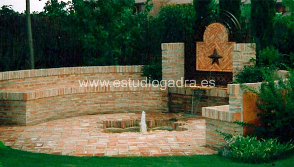 Diseño y Construcción de Fuente Árabe.