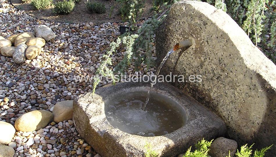 Diseño y ejecución de jardín en Villanueva, Madrid.